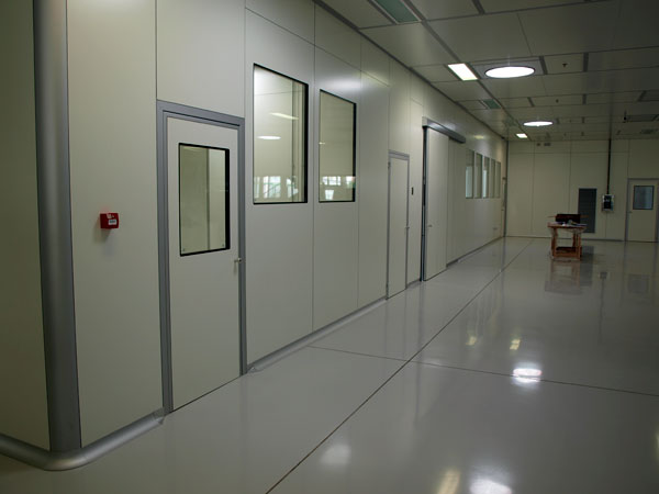 Clean-room-settore-biomedicale-Lombardia